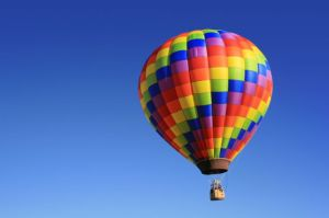 man-flying-in-a-hot-air-balloon